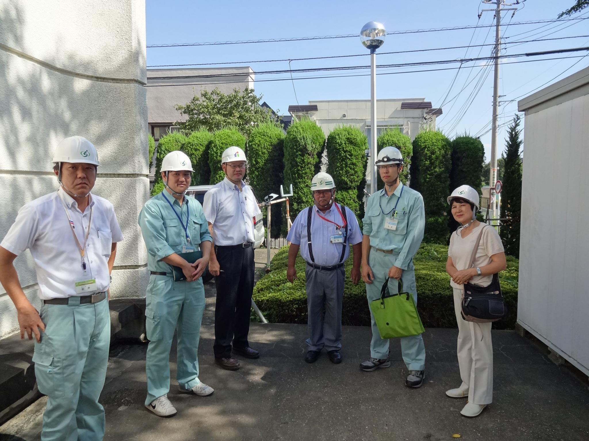 ポンプ場の視察をするもりや千津子市議(右端)